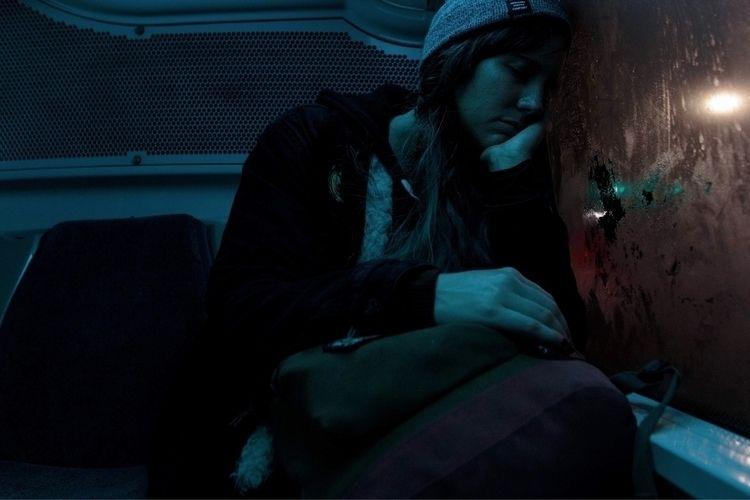 bus home night. feel deserves j - minnley | ello