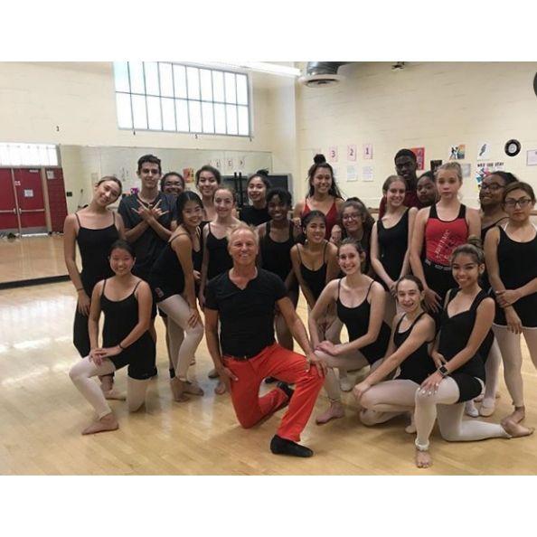 Teaching ballet class Van Nuys  - sdwoodruff | ello