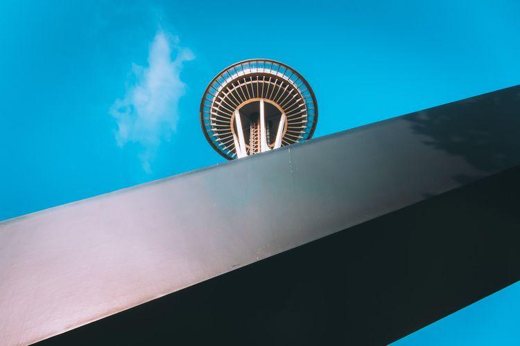 Peeking Seattle Space Needle ri - 75centralphotography | ello