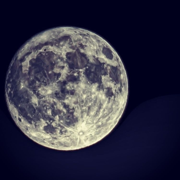 Thanksgiving Moon - c_wal | ello