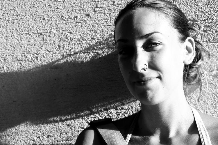 Nora, escritora, emprendedora p - arturogodoym | ello