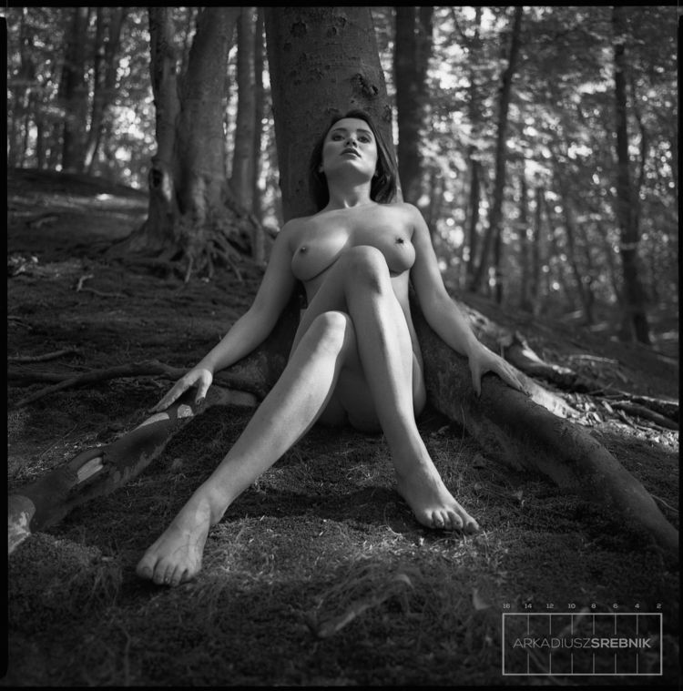girl, model, forest, analogphotography - arkadiusz_srebnik | ello