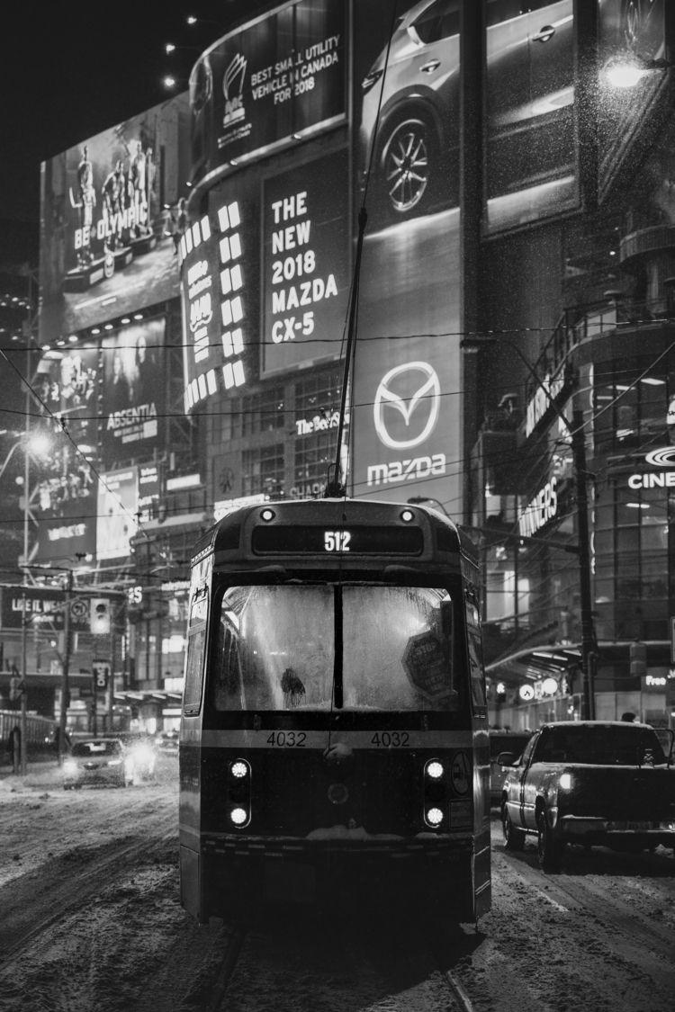 512 - Toronto, TTC, Streetcar, Snow - benroffelsen | ello