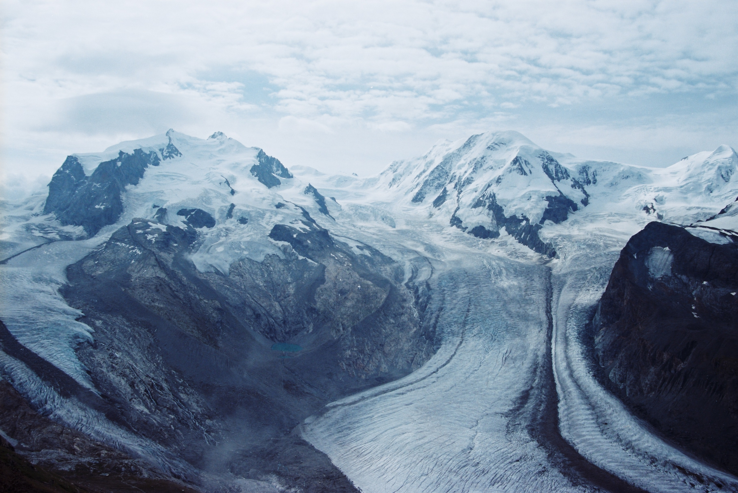 Gornergrat Glacier 〜 Zermatt, S - ferreira-rocks | ello