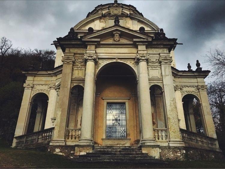 Sacro Monte di Varese - mountain - pillowbook | ello