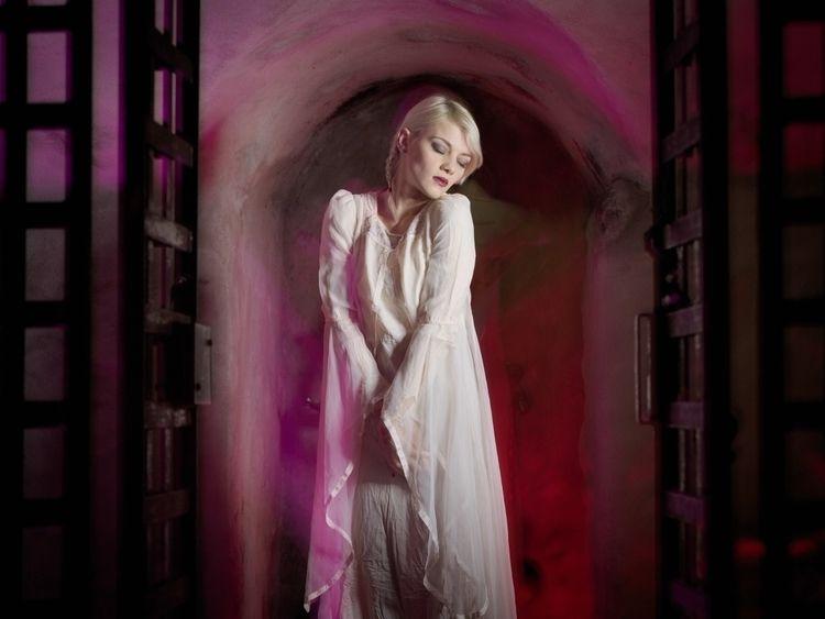 Lady White.  - ladyinwhite, irongates - baxtermarrison | ello