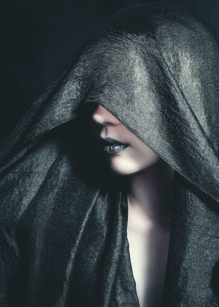Photographer/Retoucher: FMG Mod - darkbeautymag | ello