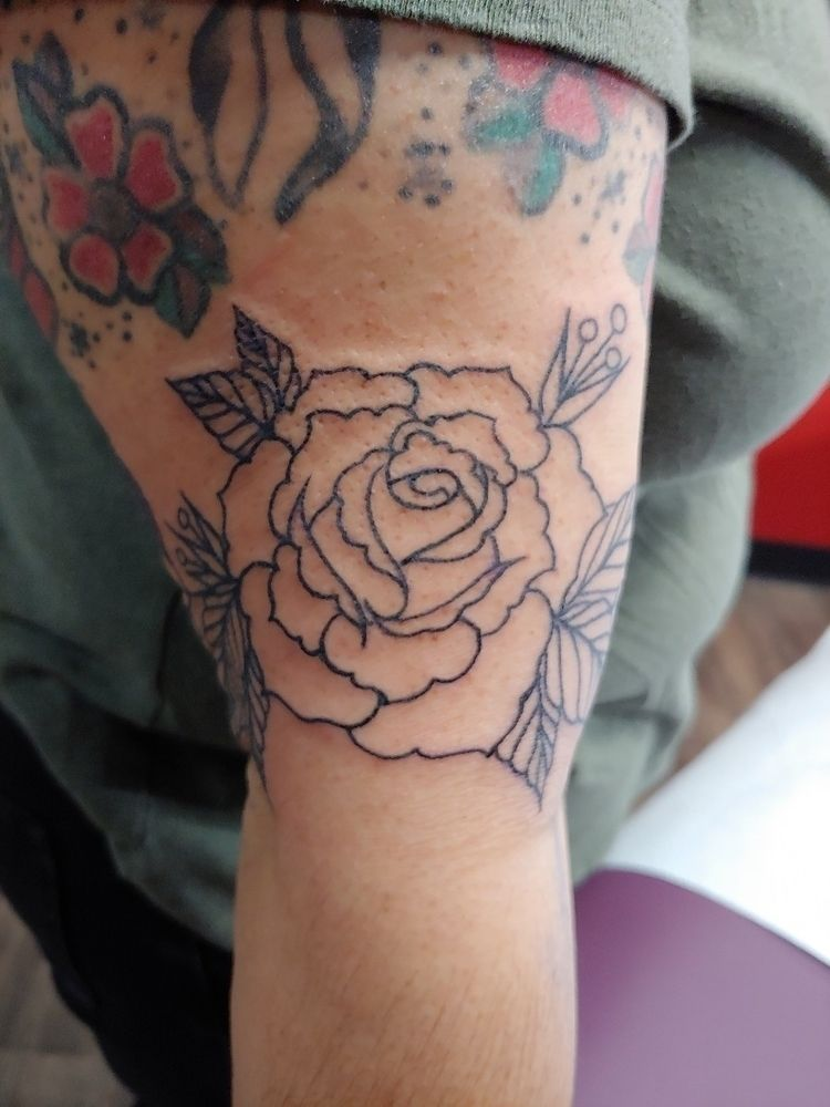 tattoo, apprenticetattoo, rose - rieru | ello