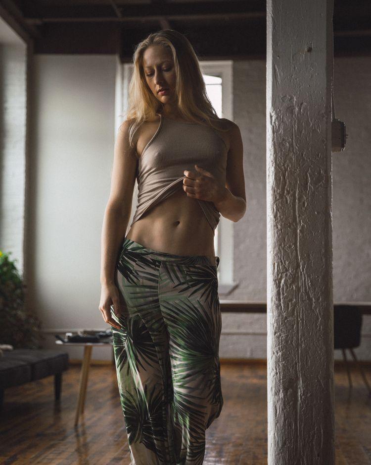 Tiffany Helms - lacunha | ello