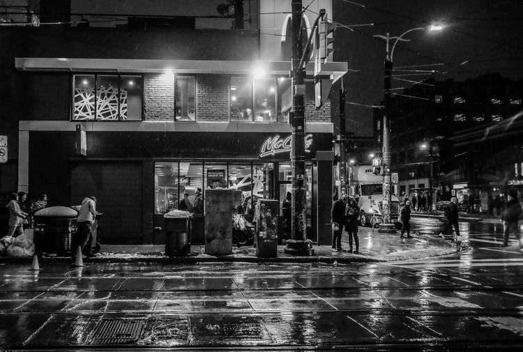Wet midnight, Spadina Queen, No - lenser | ello