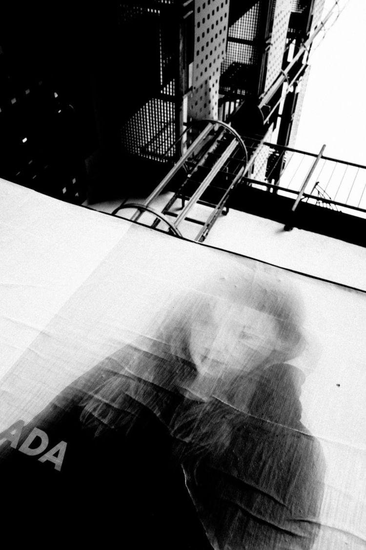 Desire beauty. Cologne 2018 - streetphotography - blackbird68   ello