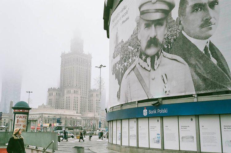 Warsaw, 9h42 - archive, warsaw, filmisnotdead - fabdeutsch | ello