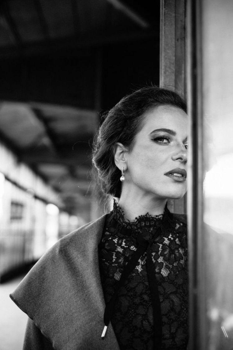 Mariya - woman, portrait, blackandwhite - jensfrankephotography | ello