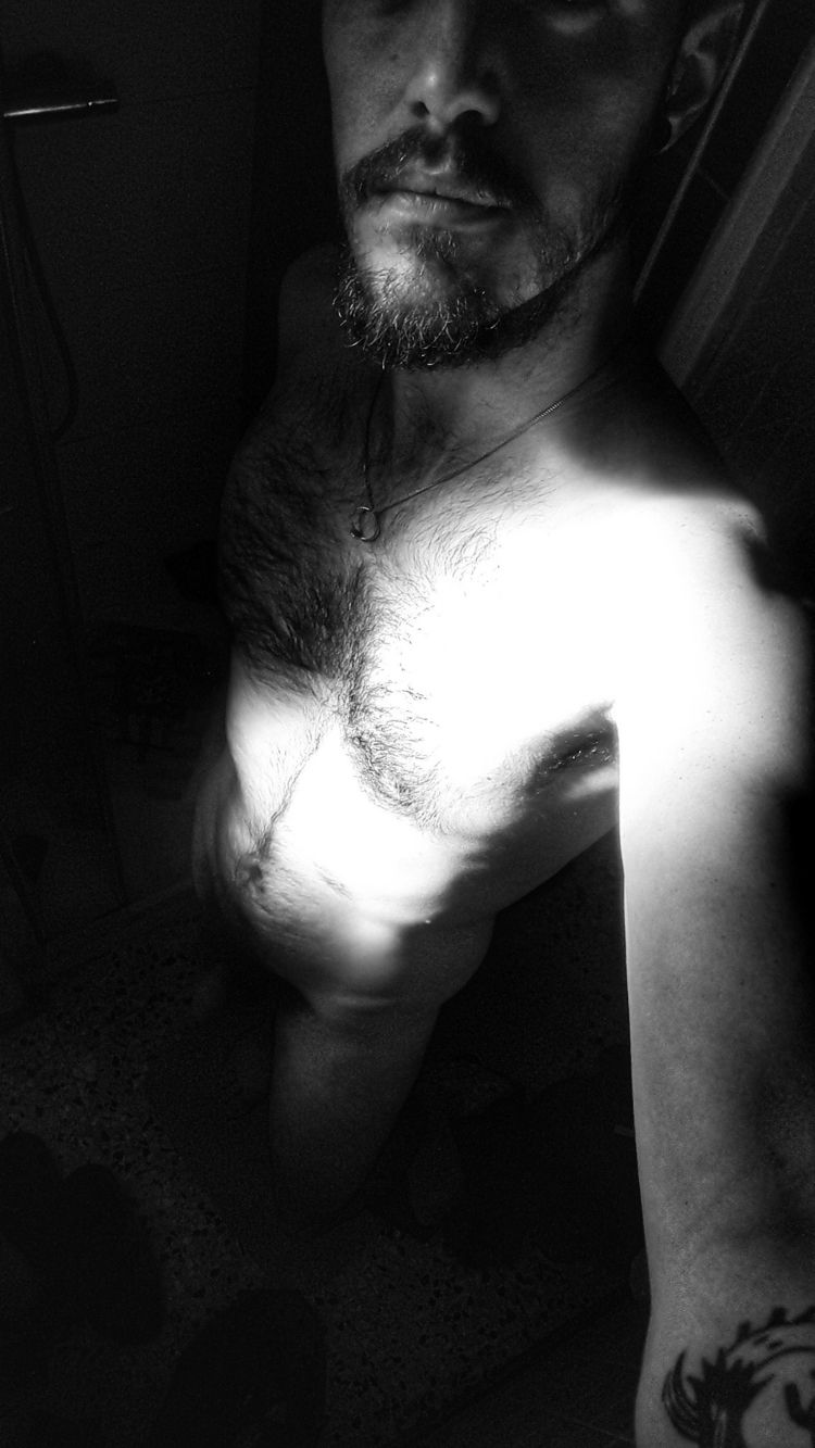Autoportrait - montaukboy | ello