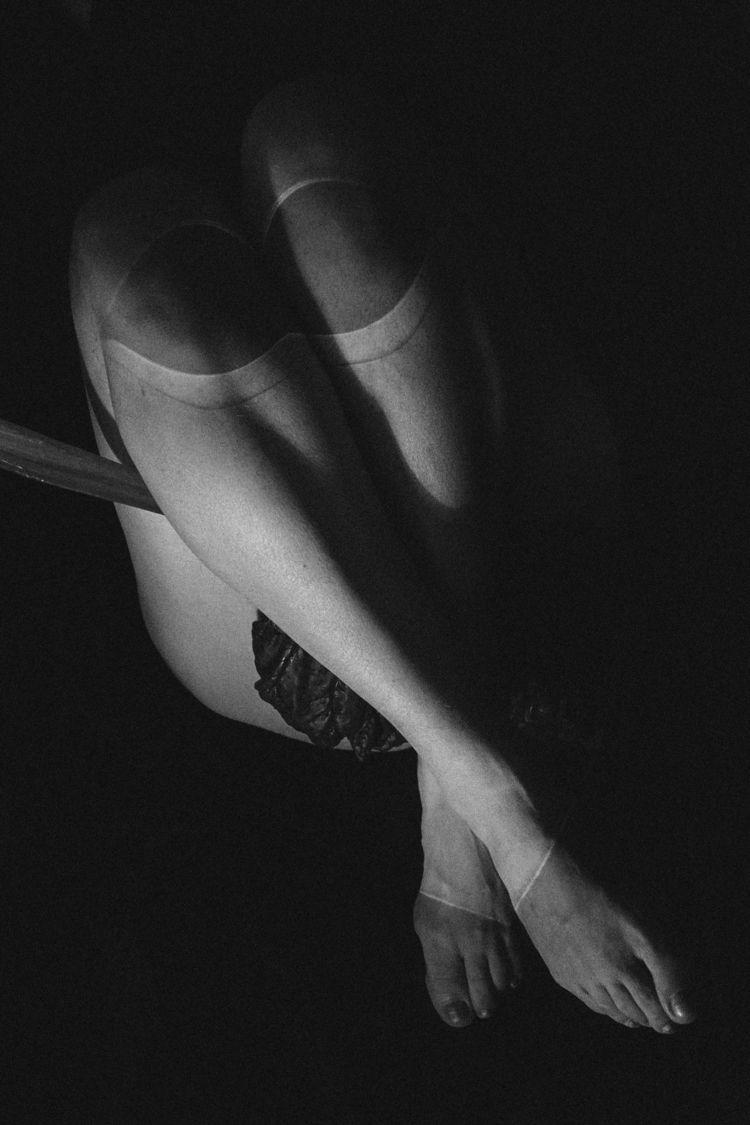leaf - artisticnude, nude, art, fineartnude - obscure63 | ello