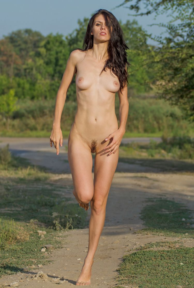 loves nude jogging - good small - sunflower22a | ello