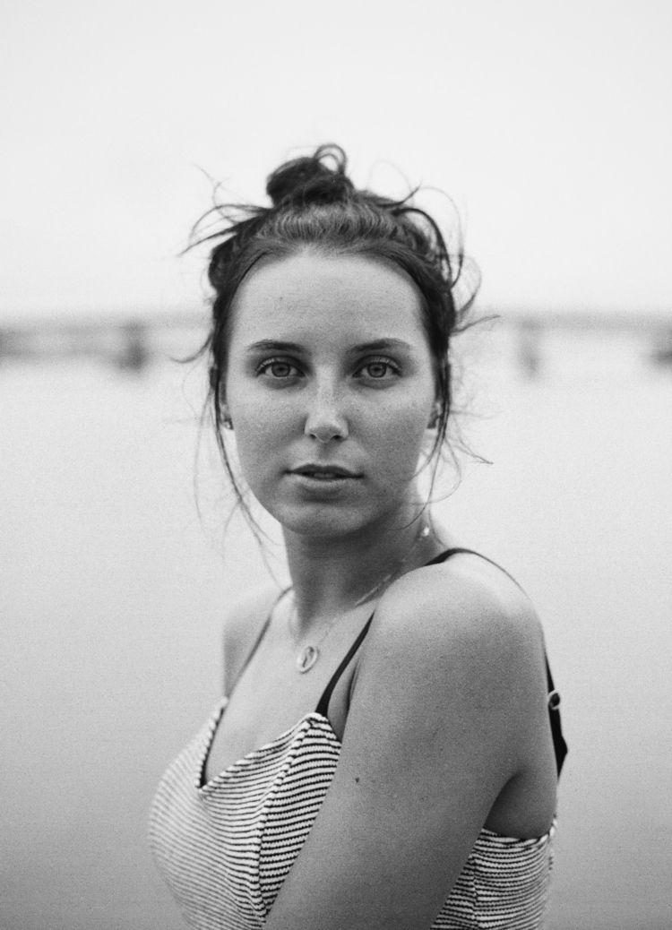 Elena - analog, istillshootfilm - tatebot | ello