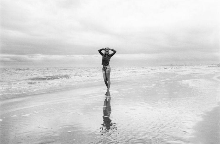 beach, life, sea, model, outdoor - loyph | ello