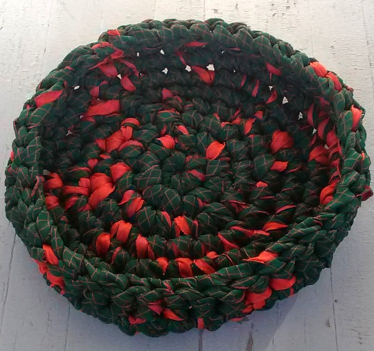 Handmade Crochet Rag Cat Bed Bo - maryherrigfiberarts | ello