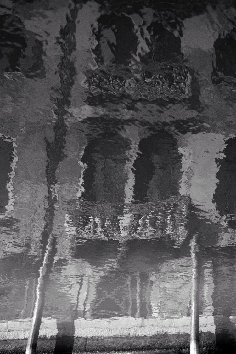 ....#blackandwhite#bnw#photogra - kreflections | ello