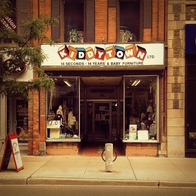 Kiddytown - Bank Street, Ottawa - dispel   ello