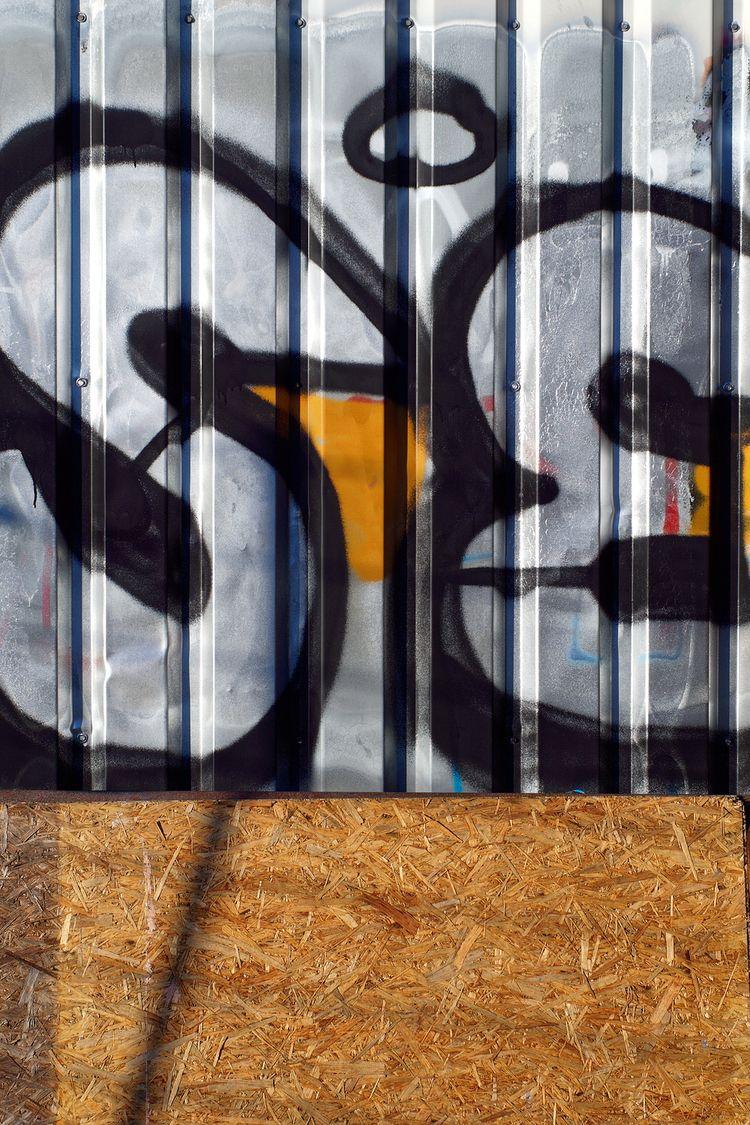 Dented - photography, graffiti, inadvertendart - marcushammerschmitt | ello
