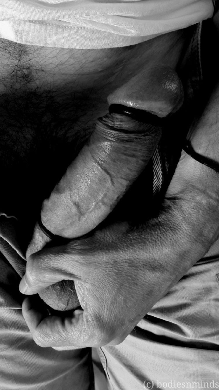 left hand. 2018 bodiesnminds - malenudes - bodiesnminds | ello