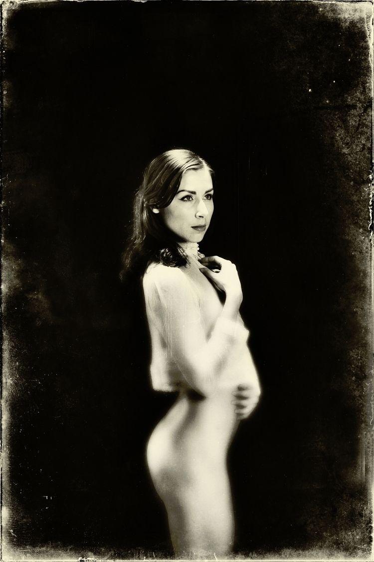 Model: Floofie - portraitpage - stevelease | ello