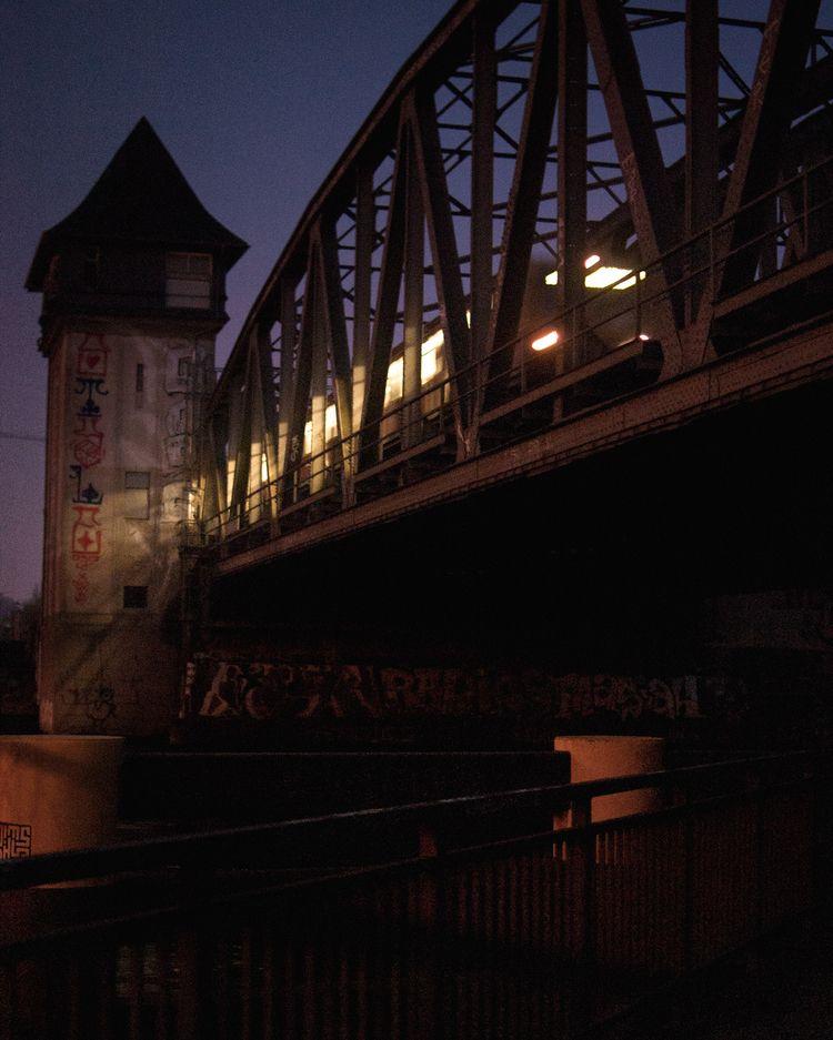 trato - 2018-11 - photography, night - pebez | ello