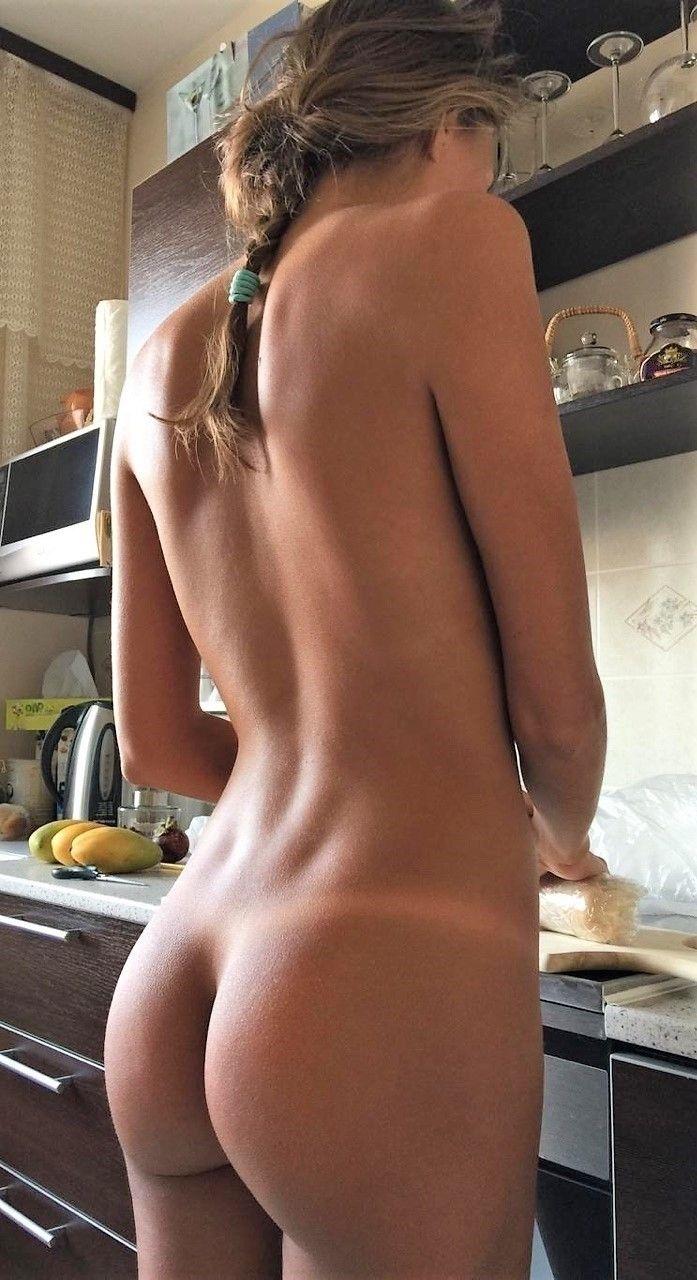 NSFW, Bum, Naked, Buttocks, Nude - lezmar63 | ello
