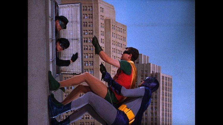 2 Funny ! ;-) 14 Batman Window  - chubbyjay | ello