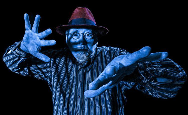 """""""blue hat red fingers""""  - man, portrait - gif-t-s   ello"""