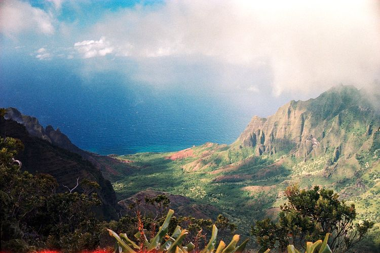 Na Pali Coast, Hawaii. Svema 12 - the69thdimension | ello