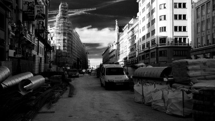 Madrid en construcción, 2018 - BW - nandomueses | ello