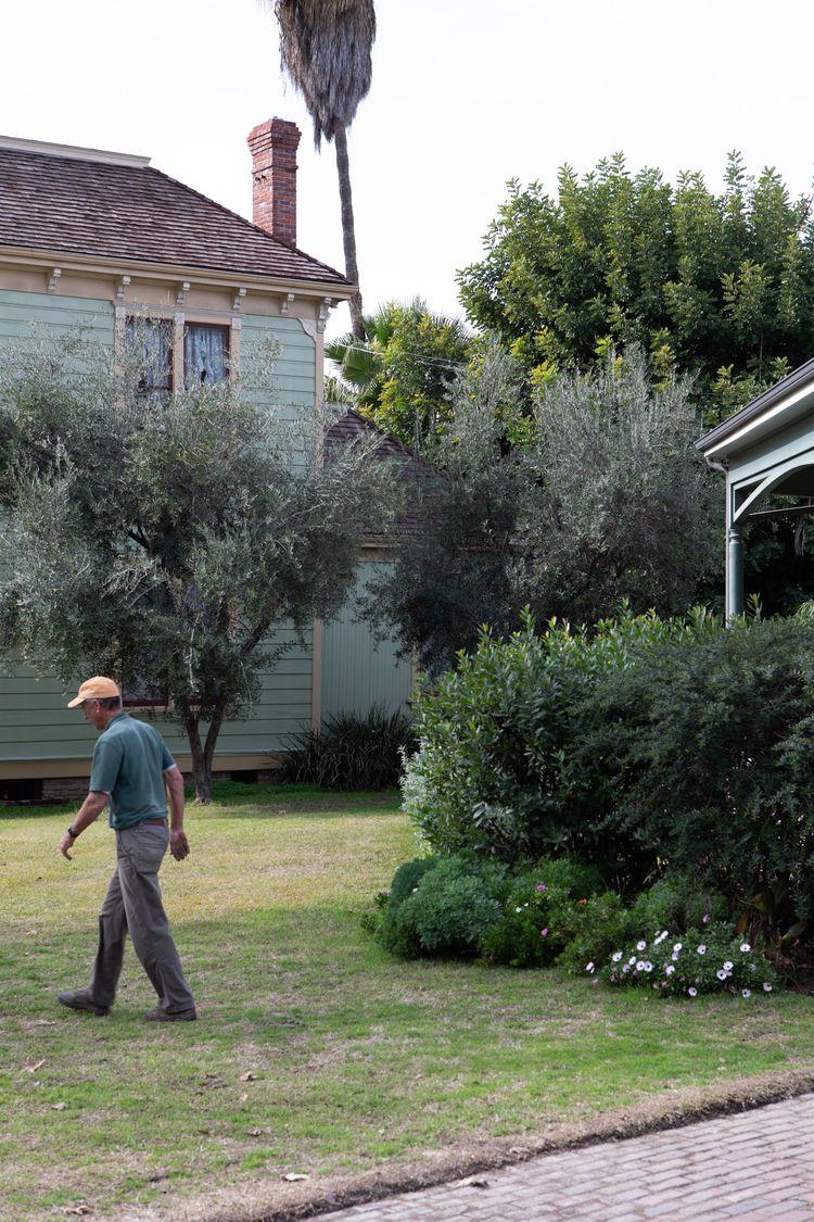 Gardener, Heritage Square, Mont - odouglas | ello