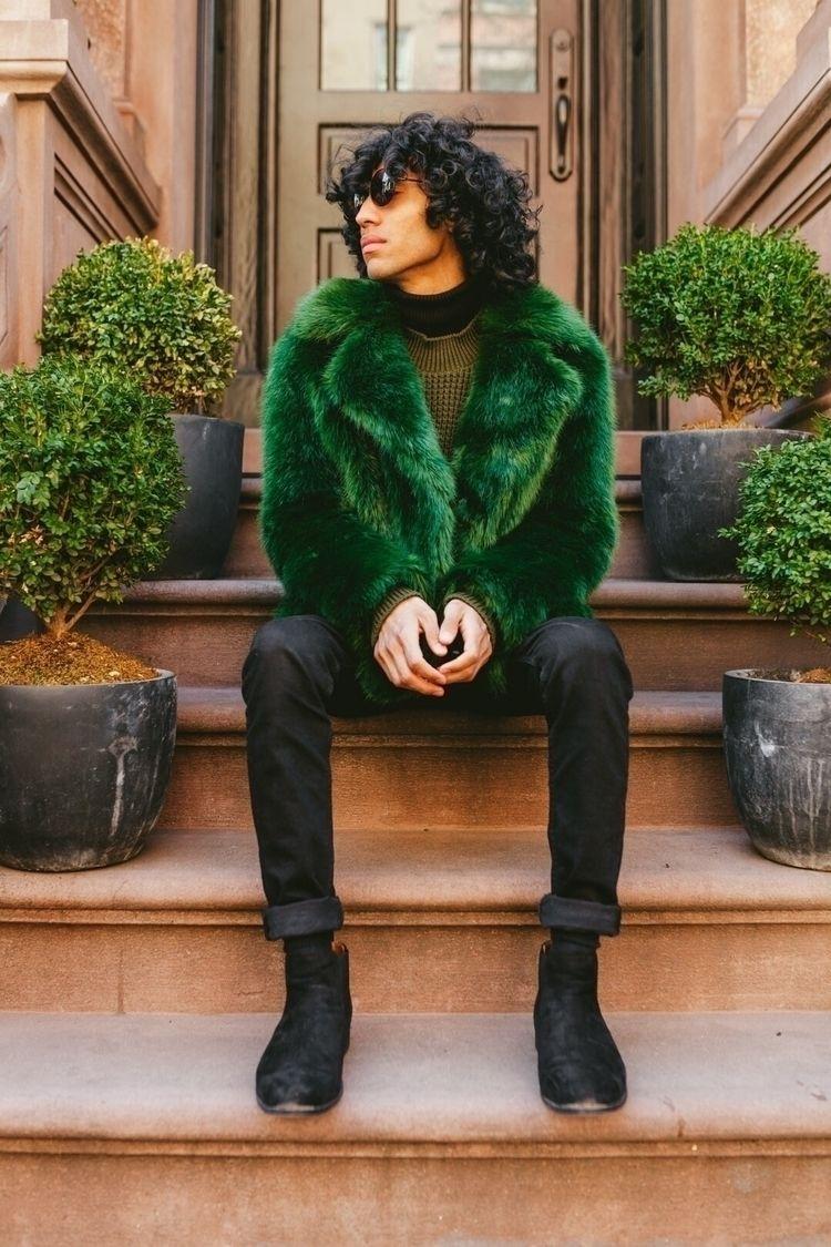 likes green fur? Photographer:  - _thewayofken | ello