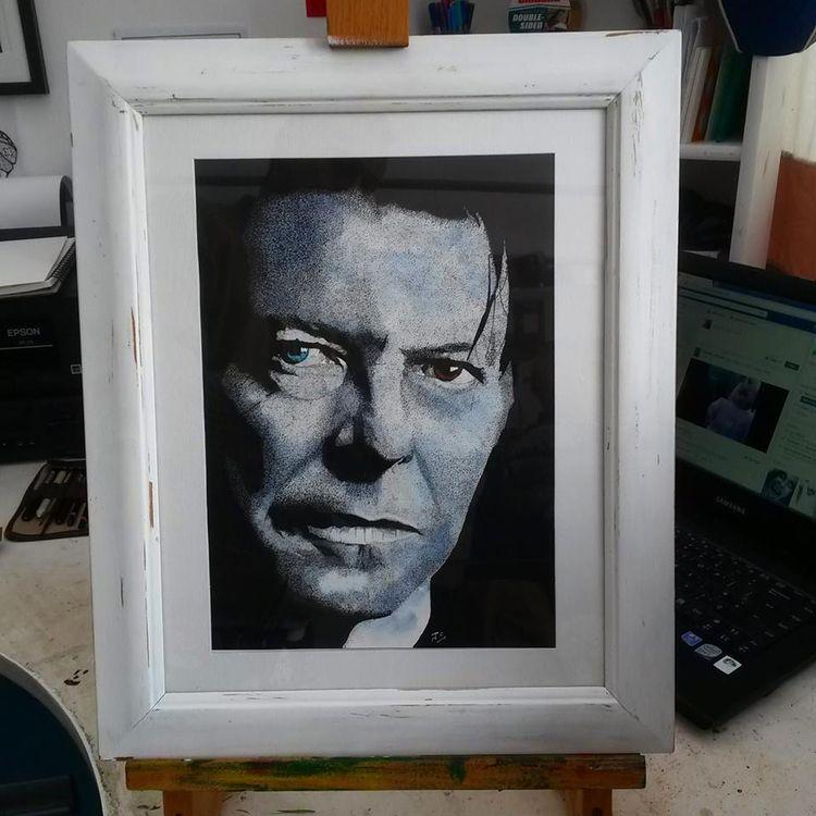 David Bowie ink portrait - stipples - allthingsinky | ello