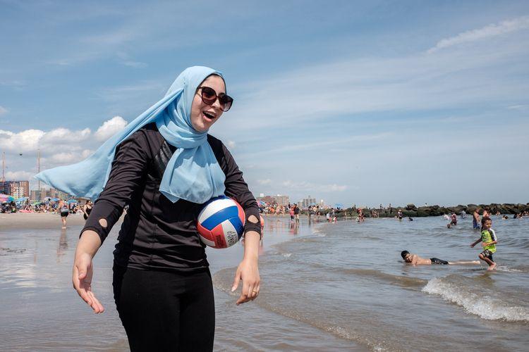 Soccer Mom Coney Island, NYC - giseleduprez | ello