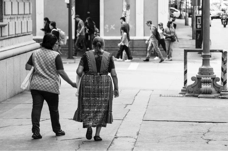 Caminando conversando... (Walki - arturogodoym | ello