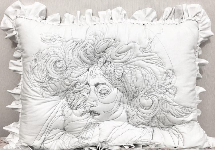 Yastıklara İşlenmiş Uyku Portre - bigumigu | ello
