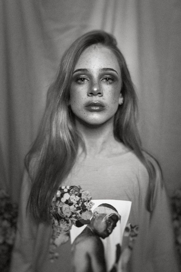 female, portrait, beauty, photography - dark-indigo | ello