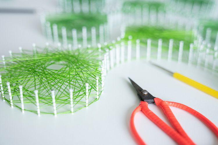 String Art - sashakisselkova, installation - die_sasha | ello