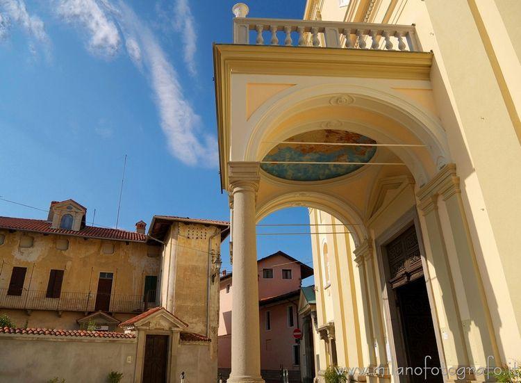 (#Биелла, Пронао церкви Святого - milanofotografo | ello