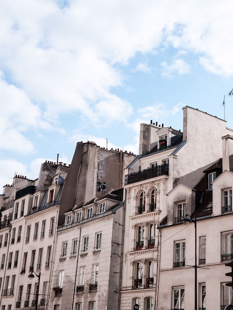 Beautiful streets Paris croissa - marodi-lab | ello