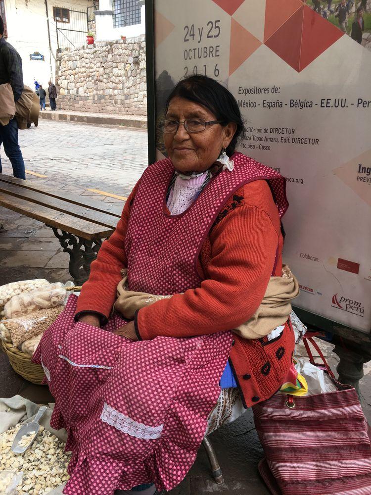 Kusi warmikunapa Happy day - Peru - hatun | ello