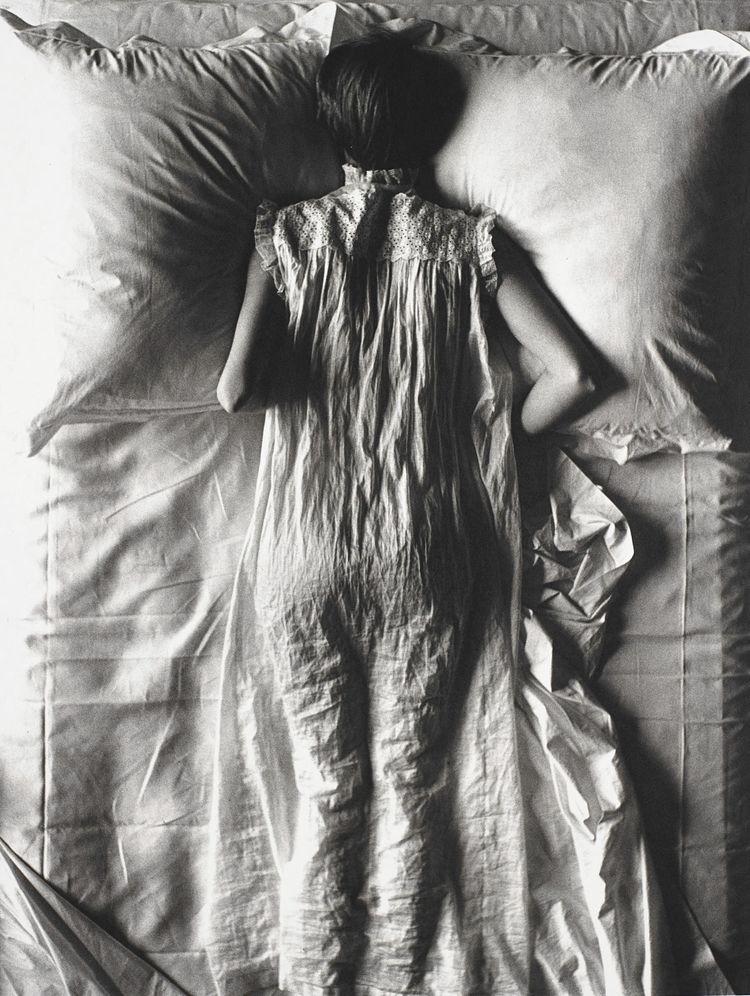Irving Penn, Girl Bed (Jean Pat - romporn | ello