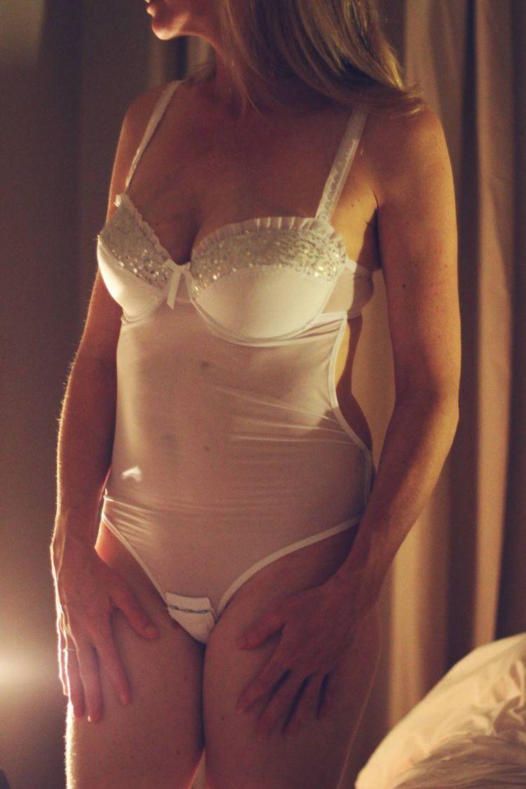 erotic, sensual, literature, wife - verycuriouswife | ello