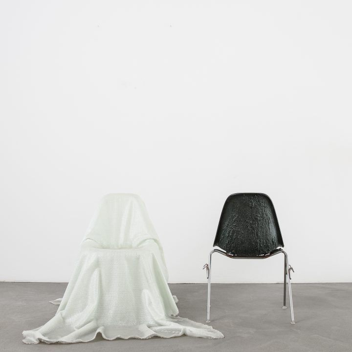 Sculptural Chairs 97cm Read tre - thetreemag | ello