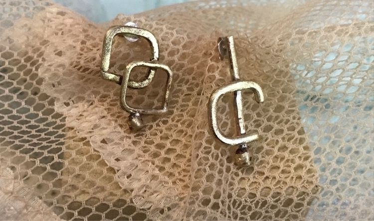 pair odd earrings - jewelry, jewelrydesign - mariaelen | ello