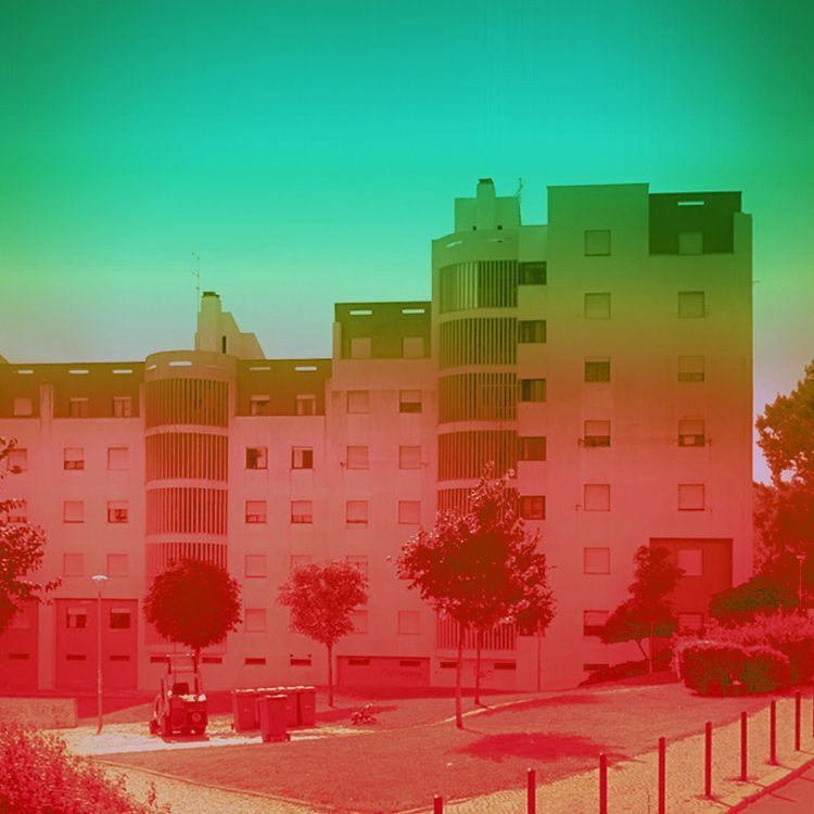 Screens / Lisbon, Portugal - rephotography - dispel | ello
